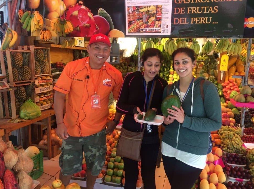 Lima mit dem Fahrrad entdecken: Stopp am Mercado San Miguel