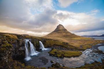 Island Sehenswürdigkeiten: Kirkjufellsfoss Wasserfall