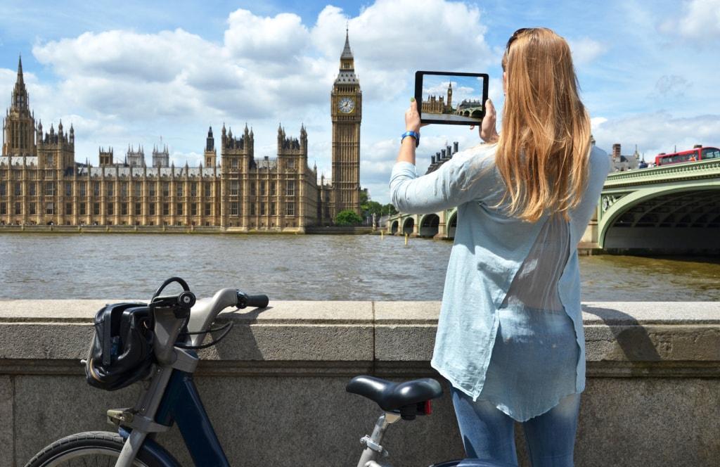 Wir verraten Euch, wie ihr in London am besten vom Flughafen in die City kommt.