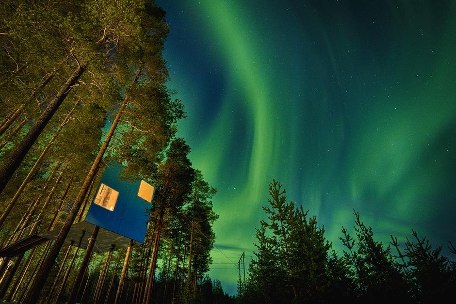 Im Mirror Cube im The Treehotel in Schweden kann man im Winter die Nordlichter bestaunen.