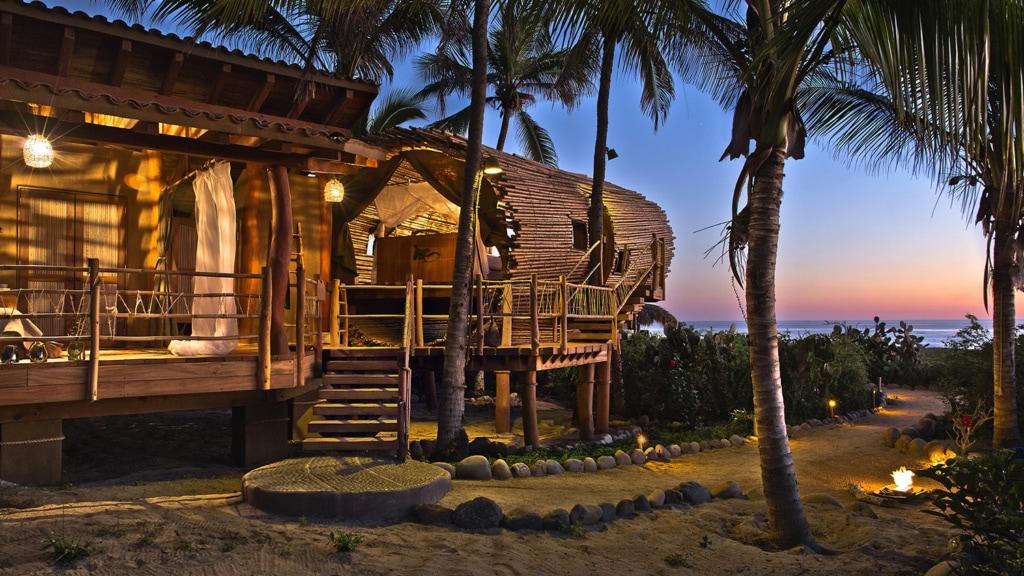 Im Playa Viva in Mexiko sind himmlische Träume im Baumhaus-Hotel garantiert.