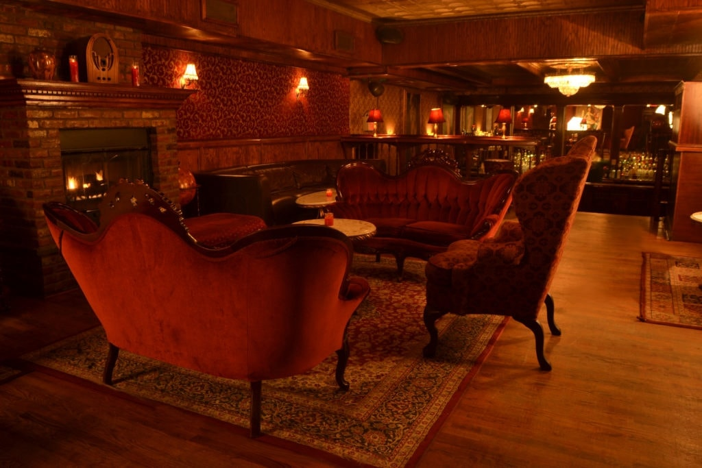 The Back Room war früher nicht ohne Grund versteckt: Die Bar war ein echtes Speakeasy!