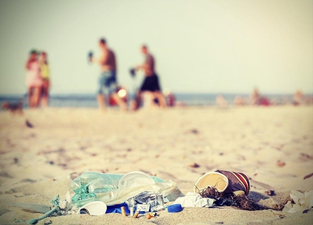 Rauchen am Strand in Thailand: Müll Gefahr für die Umwelt
