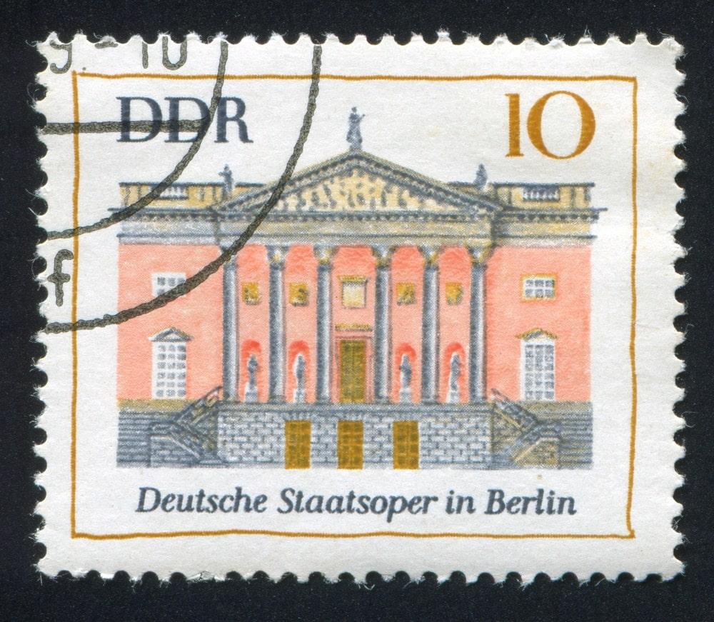 Deutsche Staatsoper auf einer DDR-Briefmarke