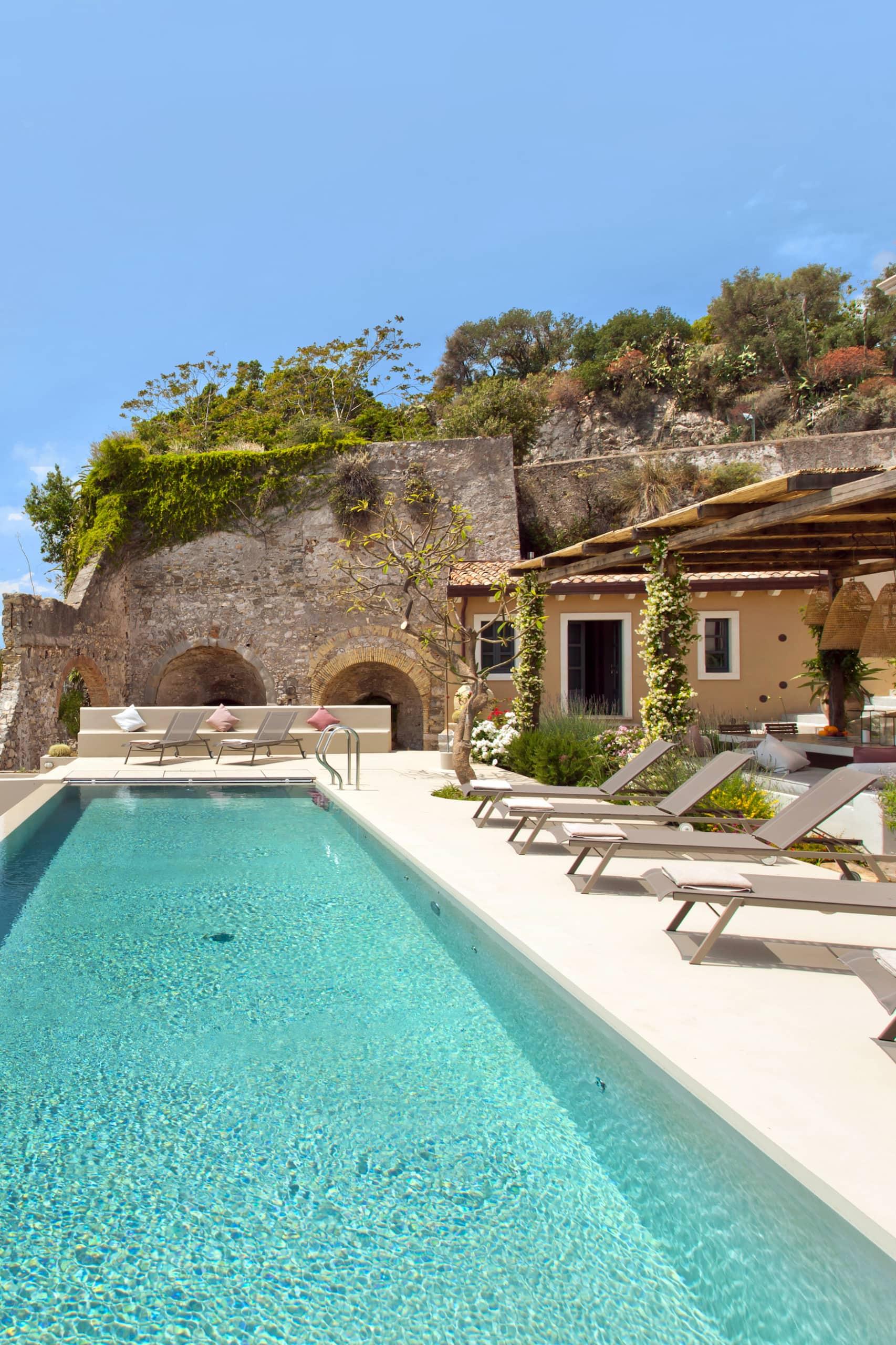 Villa mit Pool bei Taormina auf Sizilien