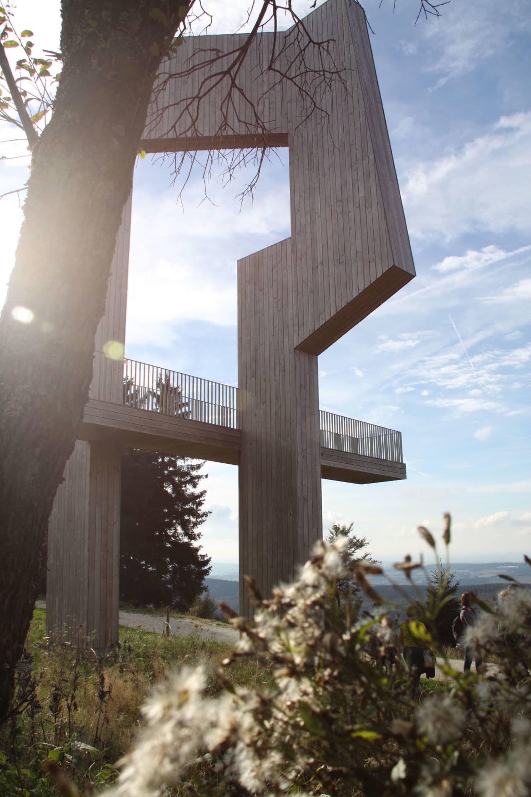Die Windklangskulptur auf dem Erbeskopf