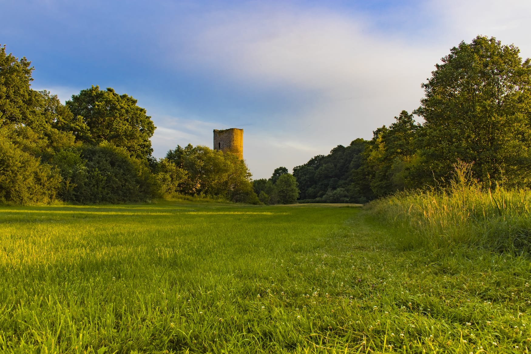 Wandern im Hunsrück am Schloss Baldenau