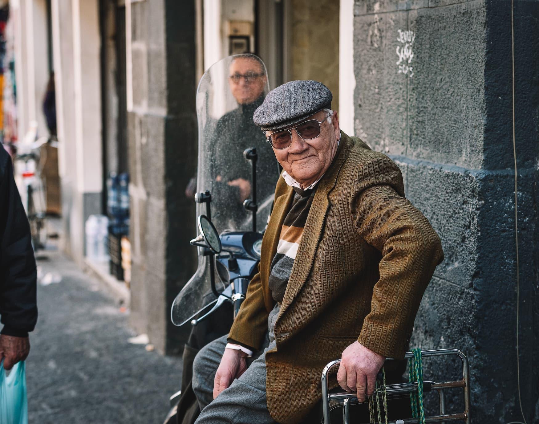 Älterer sizilianischer Herr mit Mütze