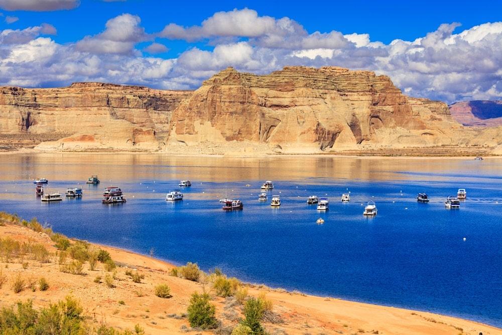 Hausboote auf dem Lake Powell in Arizona