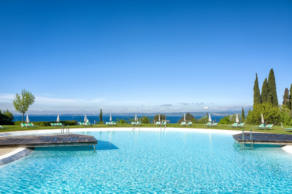 Eine Runde im Pool? Diese Luxushotels am Gardasee sind ein Traum.