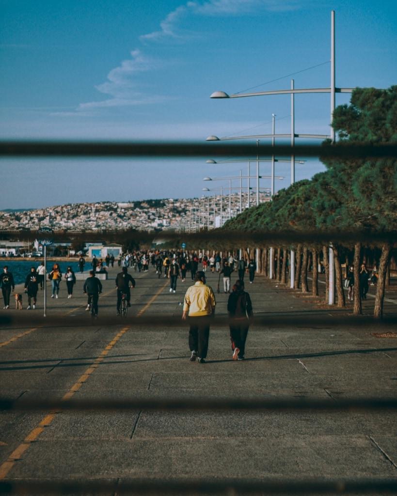 Die Promenade der zweitgrößten griechischen Stadt ist das Herz der Hafenmetropole.