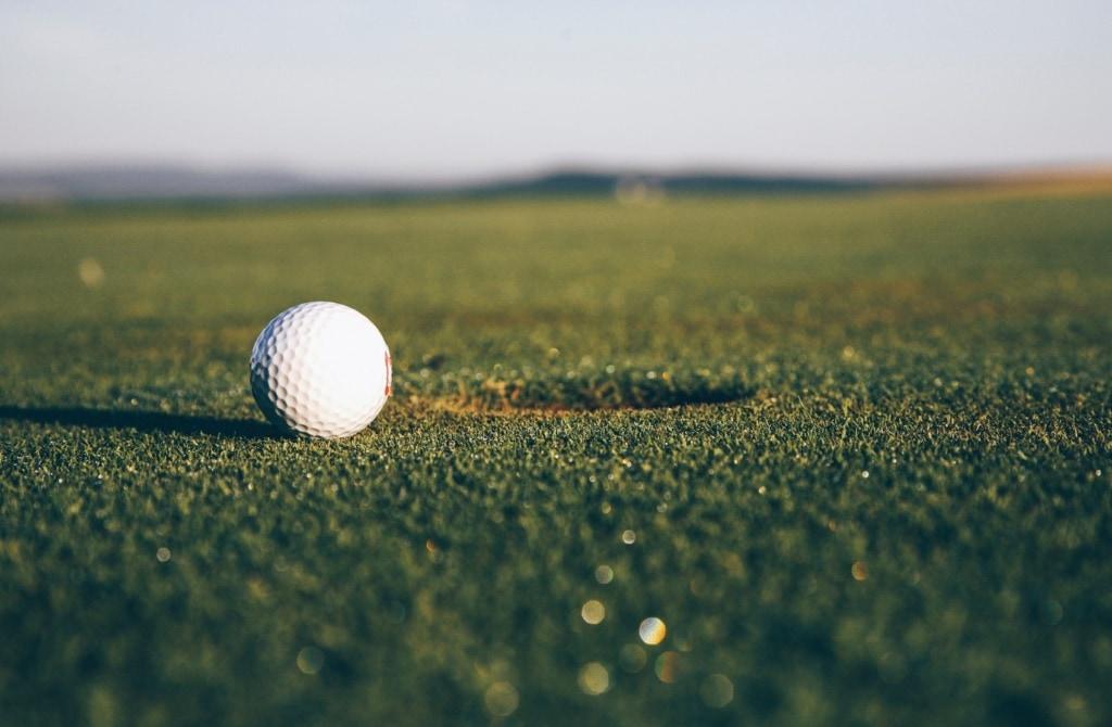 Am Gardasee locken tollen Golfplätze aufs Green.