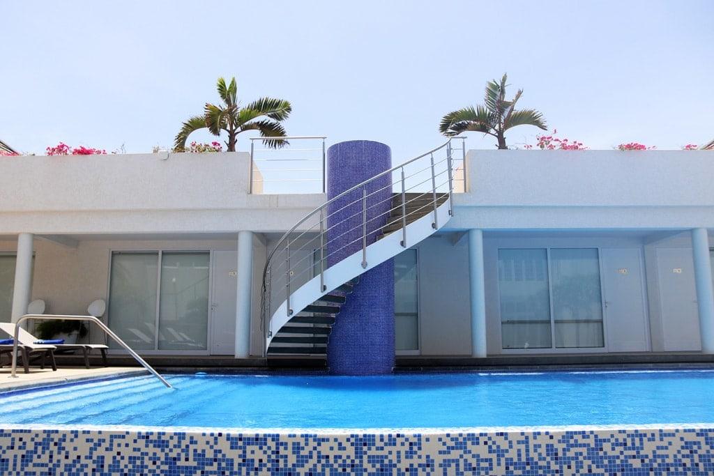 Pool des Hotel OceanZ auf der Karibikinsel Aruba