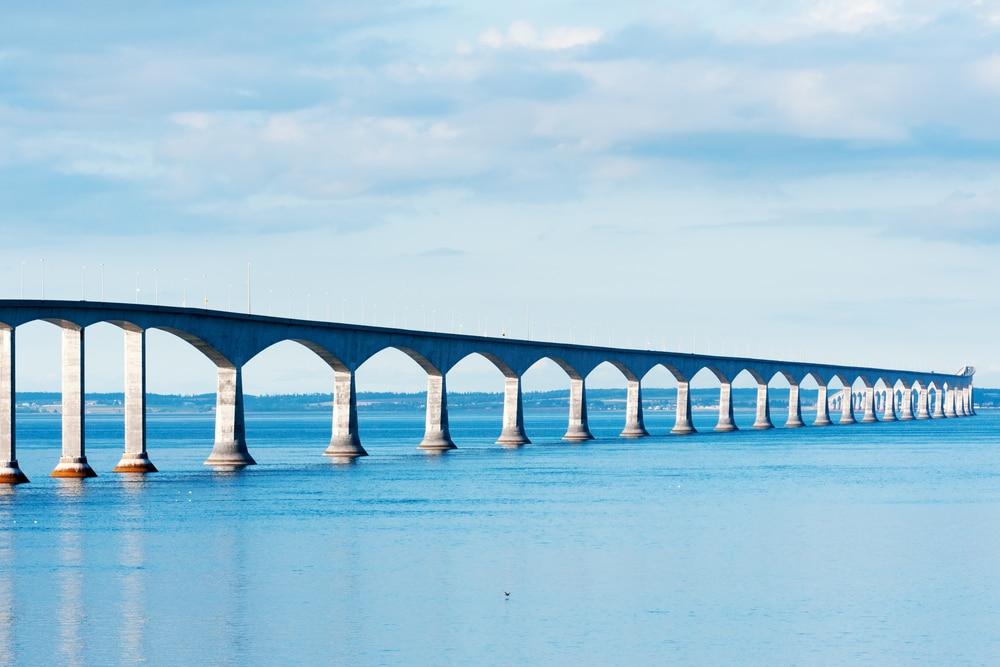 Die Confederation Bridge vrbindet Prince Edward Island mit dem kanadischen Festland