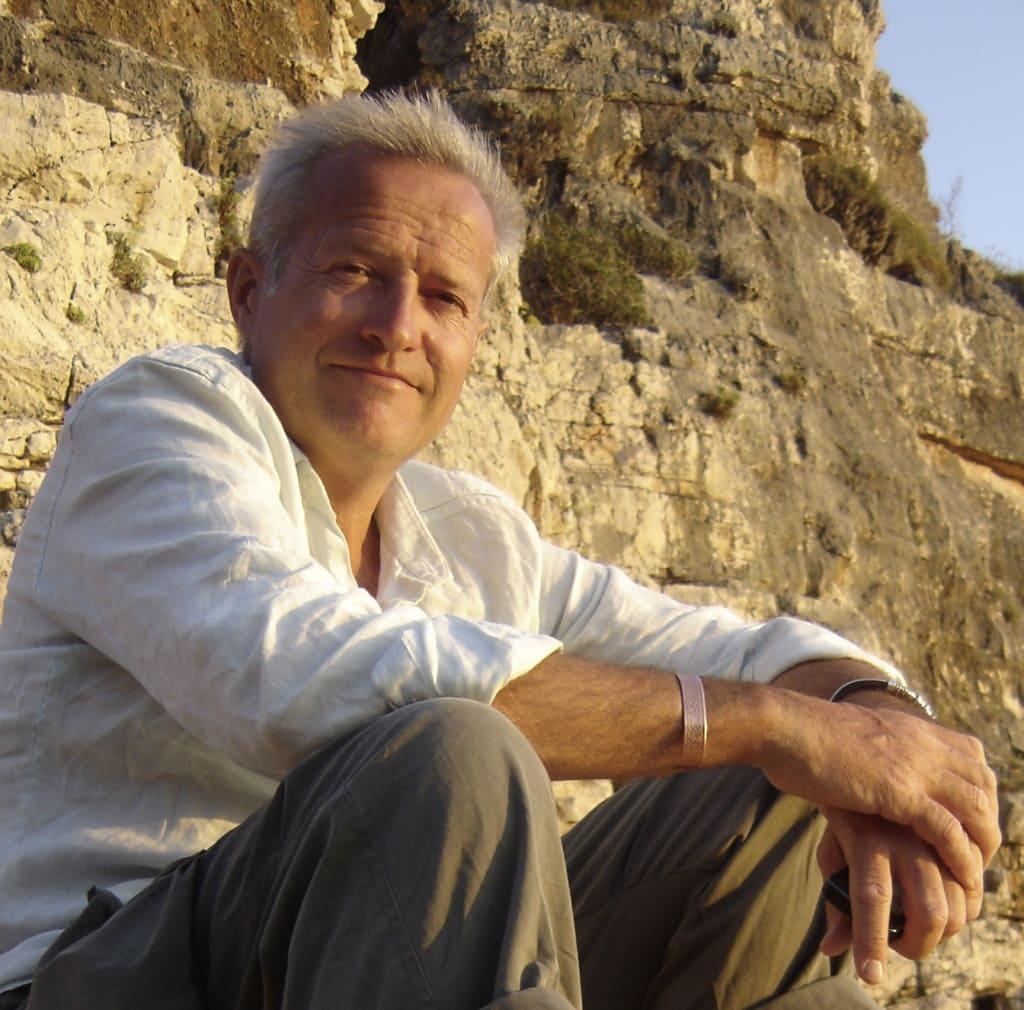 Steve Feltham am Ufer von Loch Ness