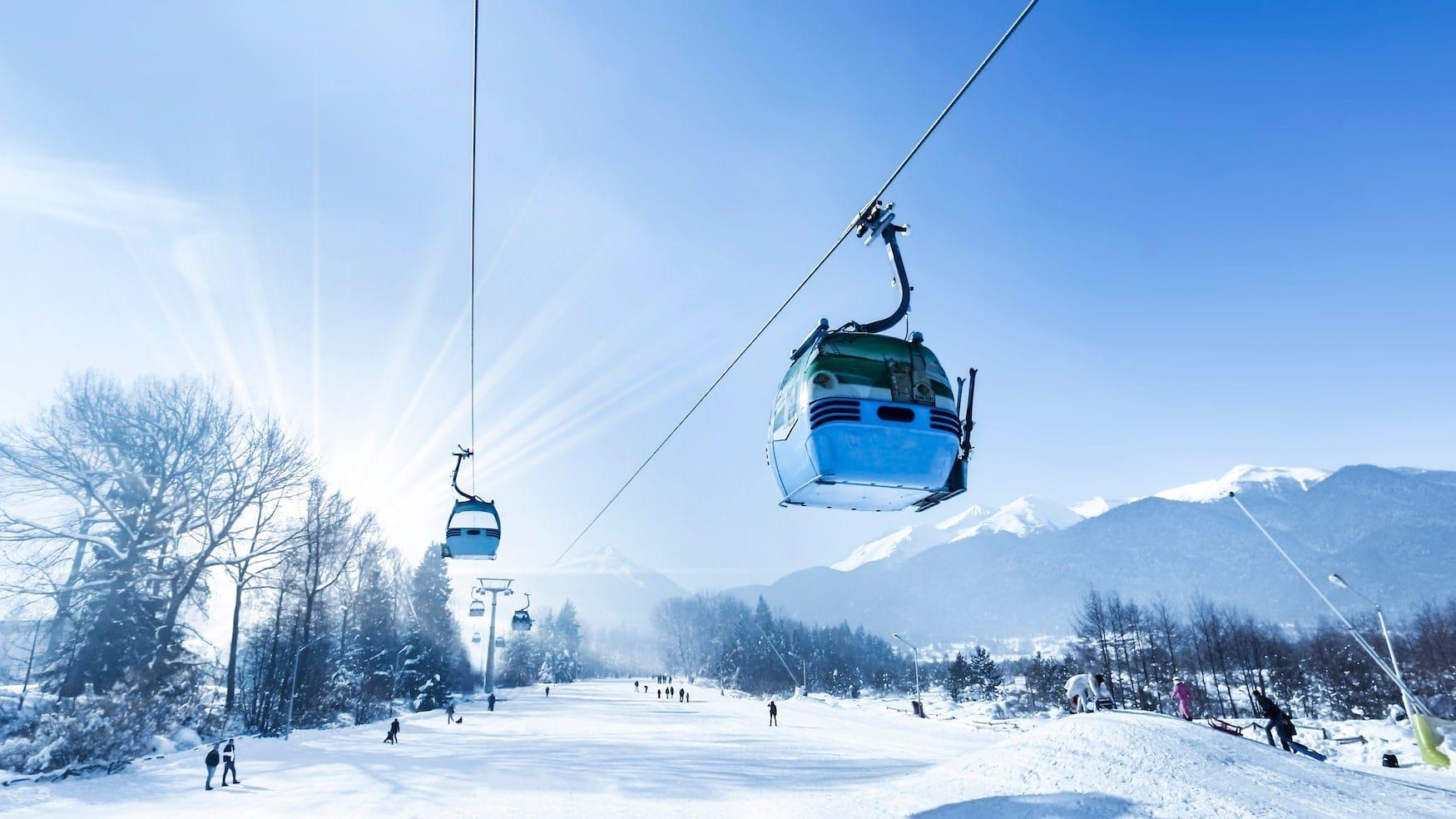 Skigondeln in bulgarischem Skigebiet Bansko