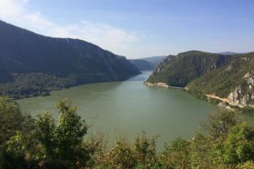 Blick auf die Donau in Serbien