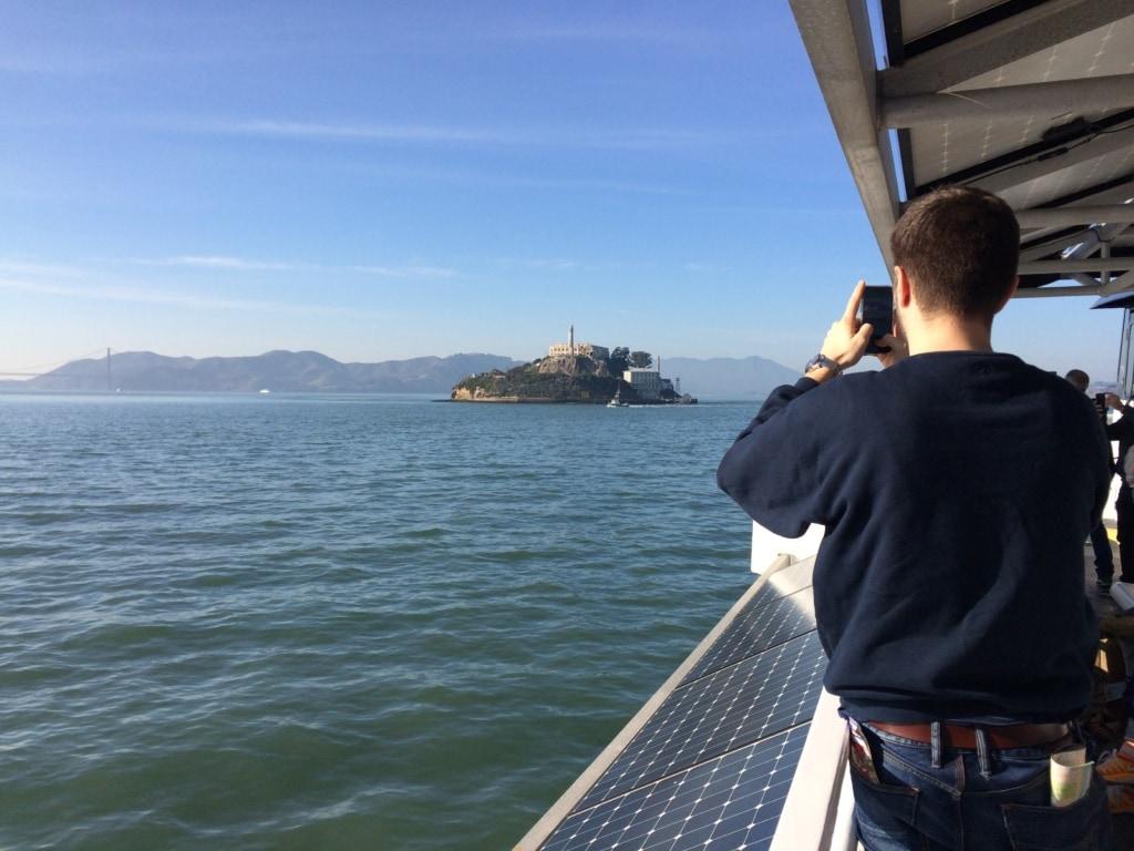 Passagier an Bord von Alcatraz Cruises