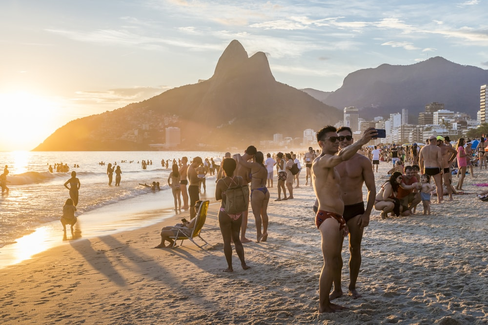 Großstadthopping in Südamerika: Ipanema Beach in Rio