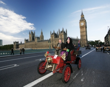 Teilnehmer beimLondon to Brighton Veteran Car Run