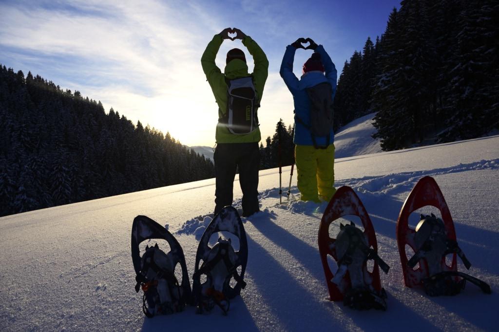 Pause beim Schneeschuhwandern in den Kitzbüheler Alpen