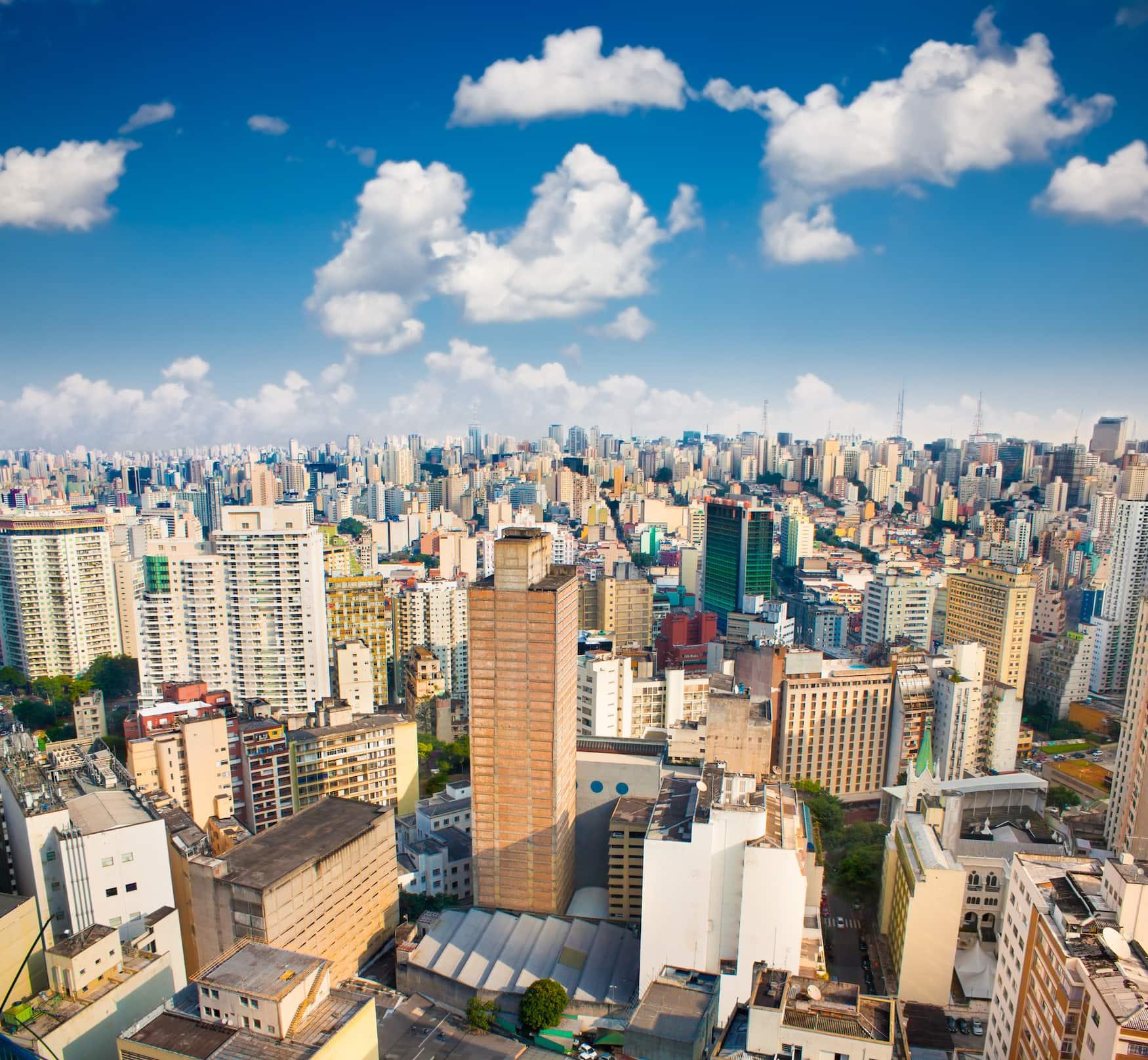 Blick auf die Hochhäuser in Sao paolo an einem sonnigen Tag