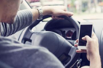 Handyverbot am Steuer: Finger weg