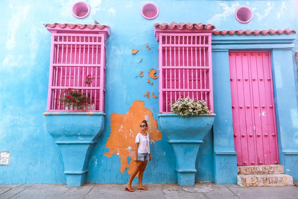 Cartagena im Norden Kolumbiens ist die meistbesuchteste Stadt des Landes - nicht zuletzt wegen ihrer historischen und bunt bemalten Häuser!