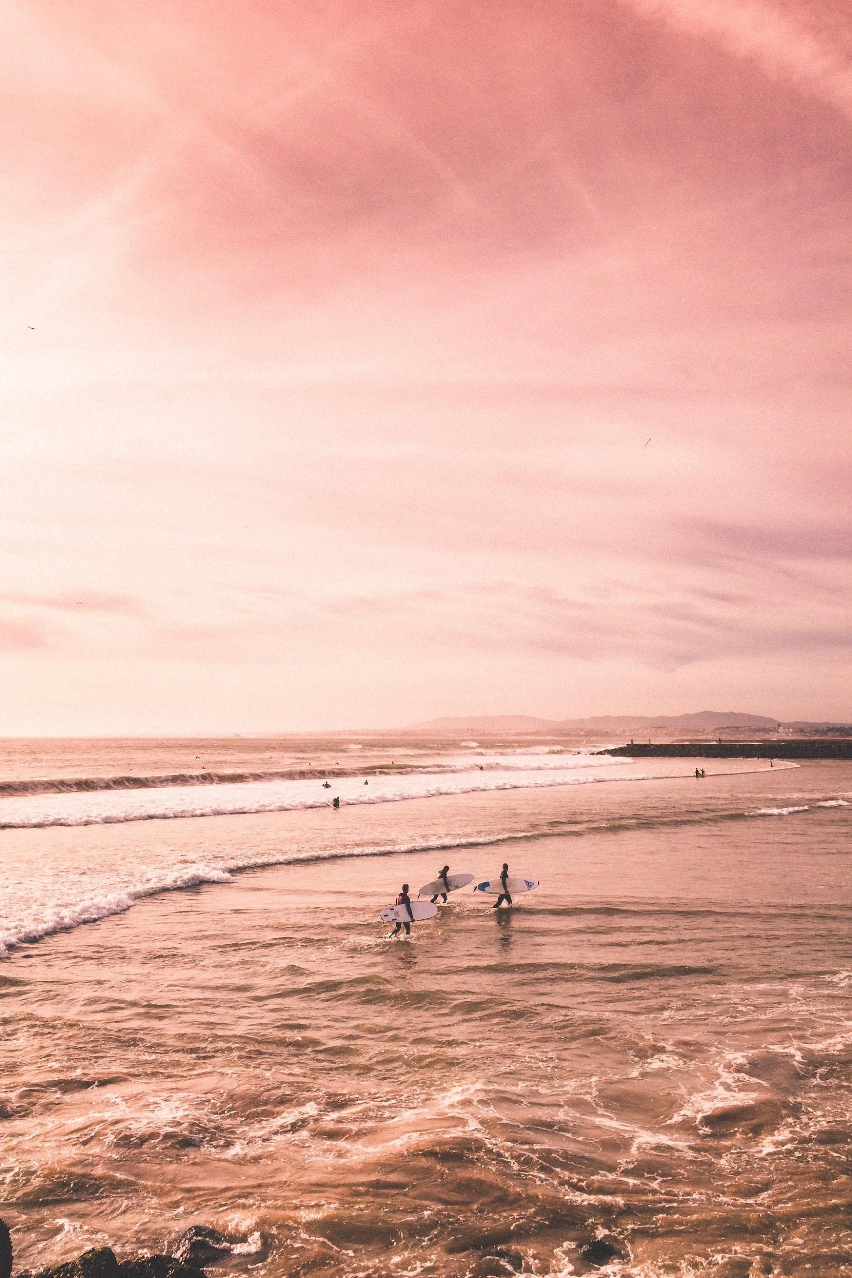 Surfer an der Costa da Caparica