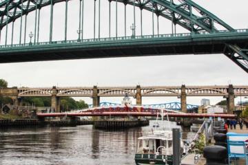 Sieben bunte Brücken verbinden Newcastle mit der Stadt Gateshead