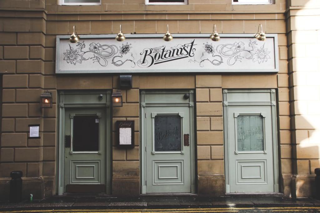 The Botanist ist eine beliebte Bar im historischen Zentrum der Stadt gleich an der Grey Street