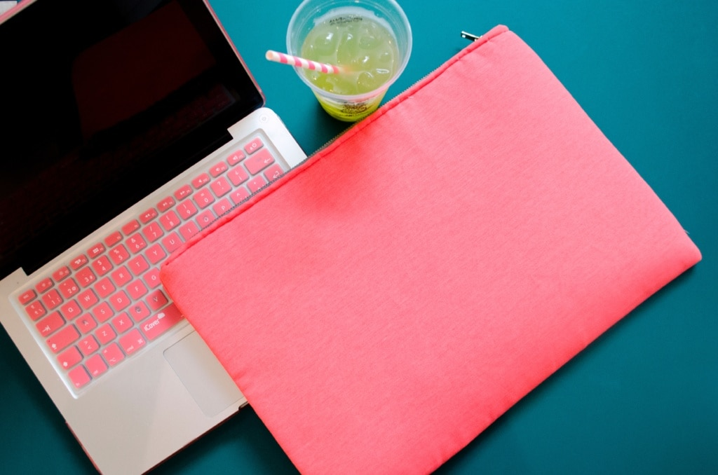 Adieu einfältige Laptophüllen, nutze deine schönen Reisefotos für eine personalisierte Laptoptasche.