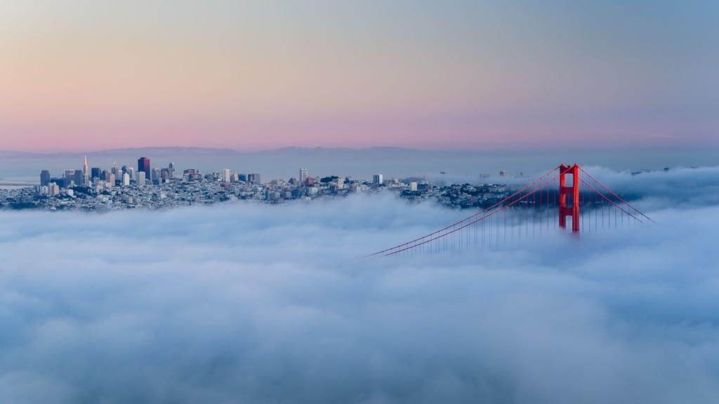Blick auf Golden Gaten Bridge im Nebel