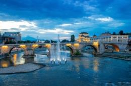 Steinbrücke in Skopje
