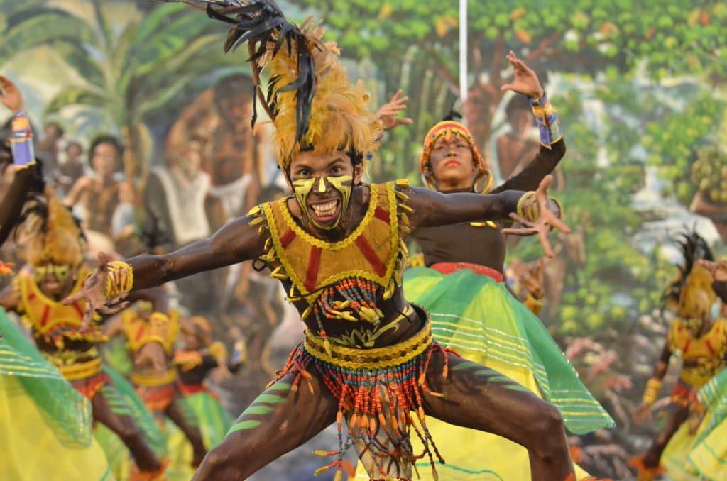 Teilnehmer des Aliwan-Festivals in Pasay auf den Philippinen.