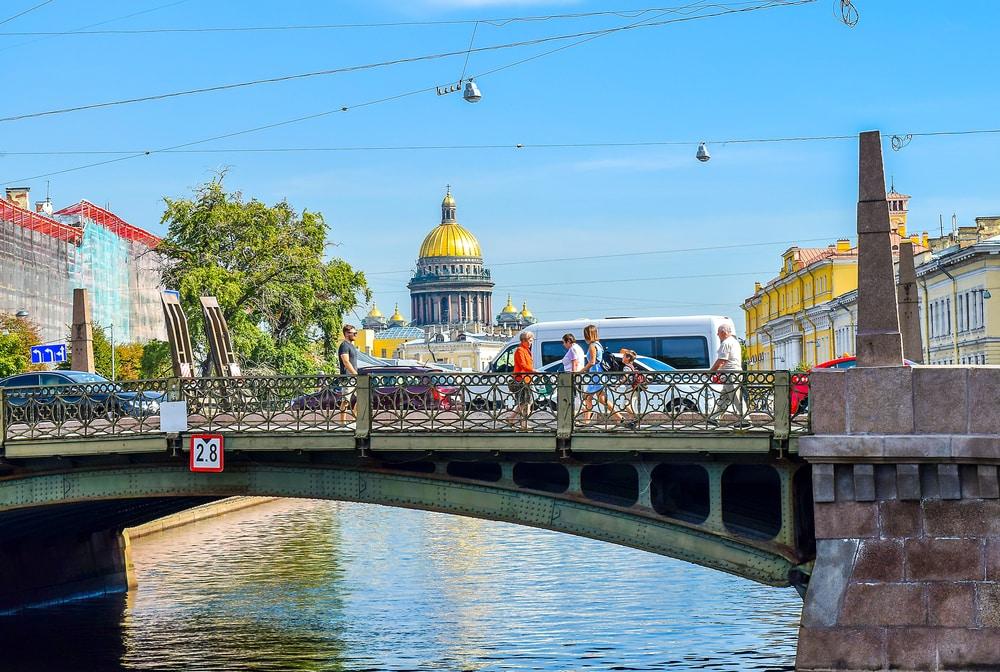 Brücke der Küsse in St. Petersburg