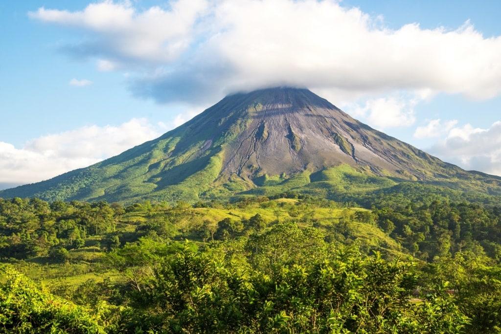 Costa Rica wartet mit einigen schönen Vulkanen auf.