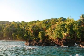 Küstenlinie der Osa Peninsula in Costa Rica