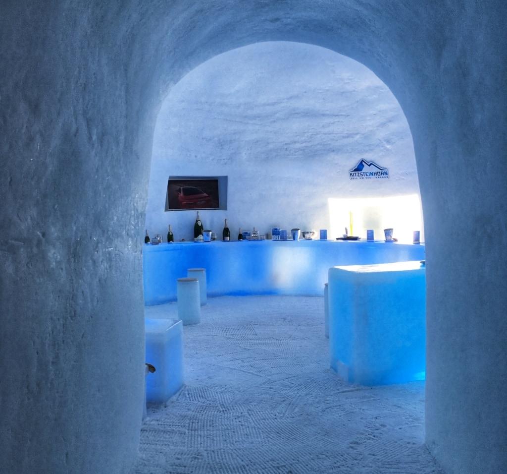 Ice Camp mit Bar auf dem Kitzsteinhorn - Österreich