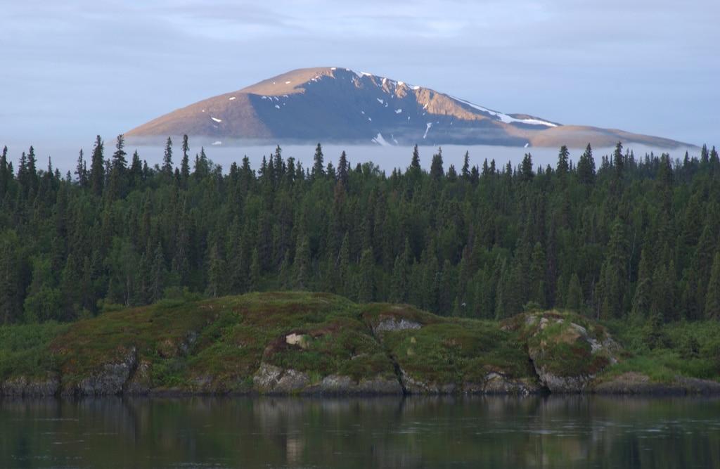 Die Tikchik Narrow Lodge in Alaska ruht auf einer Halbinsel, nur mit einem Wasesrflugzeug gelangt man in die Wildnis.
