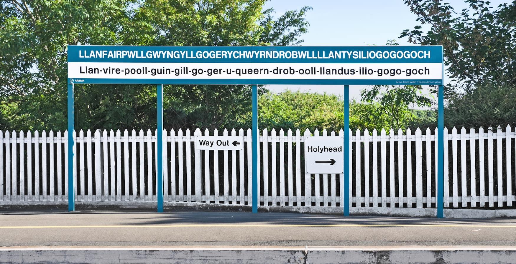 Llanfairpwllgwyngyllgogerychwyrndrobwllllantysiliogogogoch: Der längste Ortsname Europas
