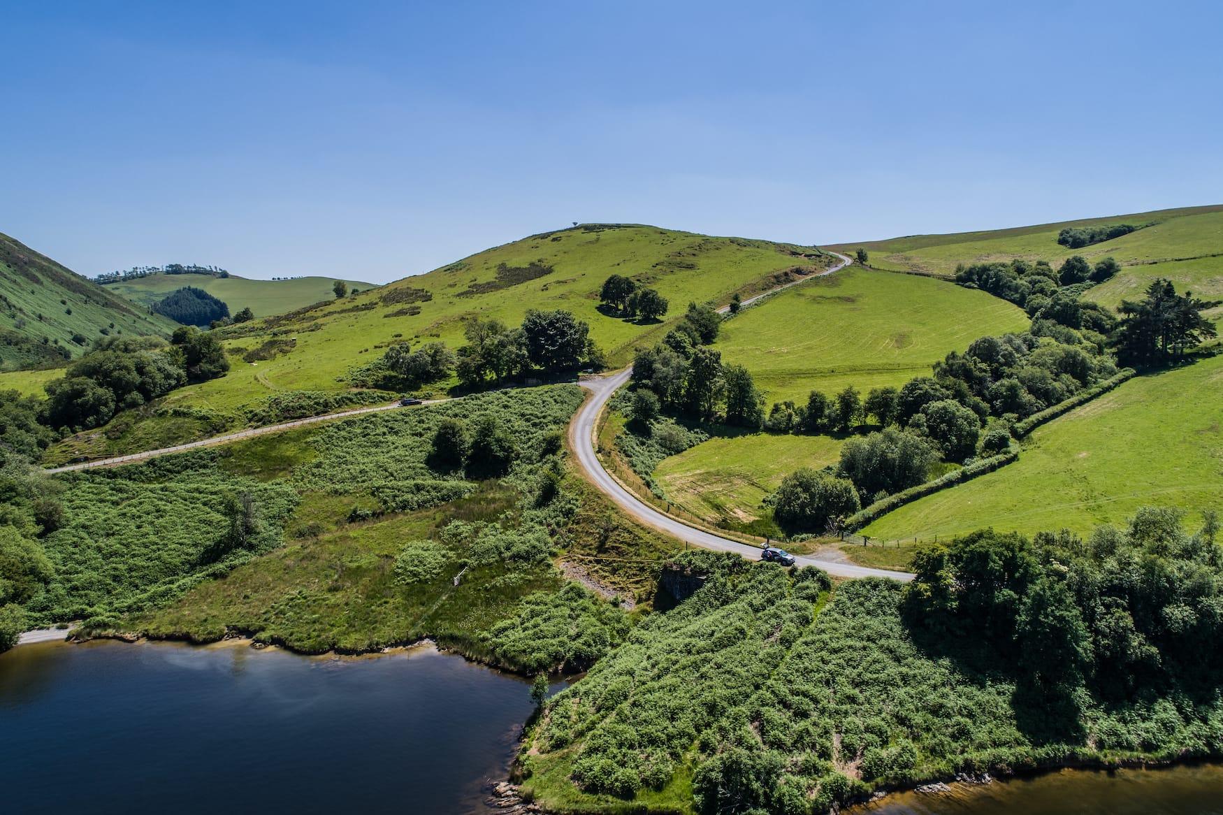 Schöne Orte in Wales: Der Llyn Clywedog Dam in Llanidloes