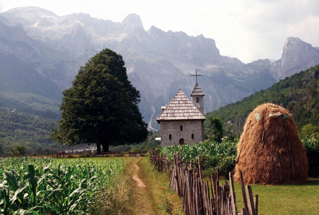 Albaniens Sehenswürdigkeiten: Dorf