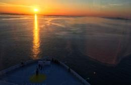 Sonnenuntergang in Bremerhaven auf der Norwegian Bliss