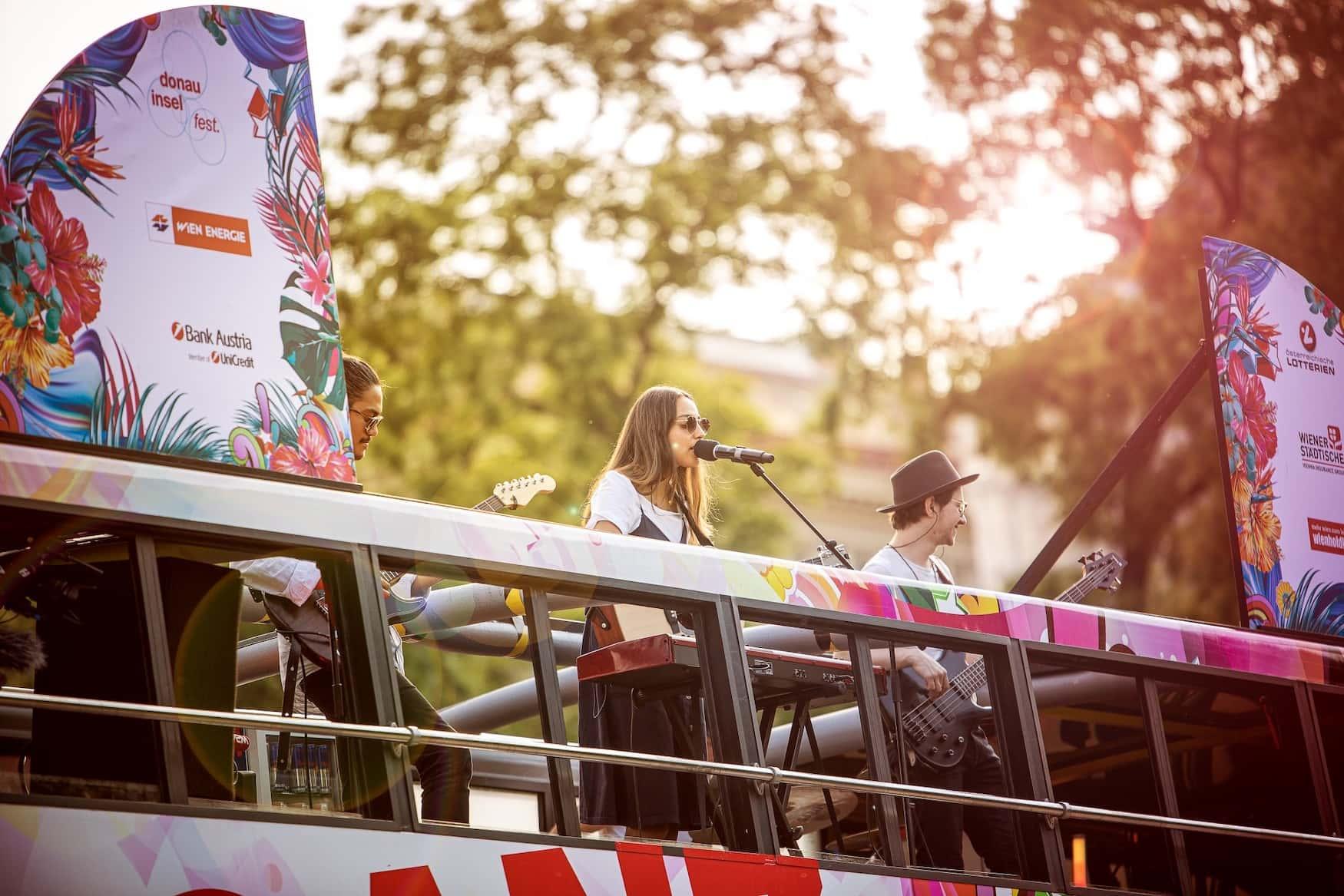 Band auf Bus des Donauinselfestes 2020