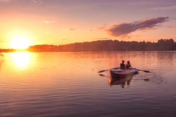 Romantik auf Boot im Ruppiner Seenland
