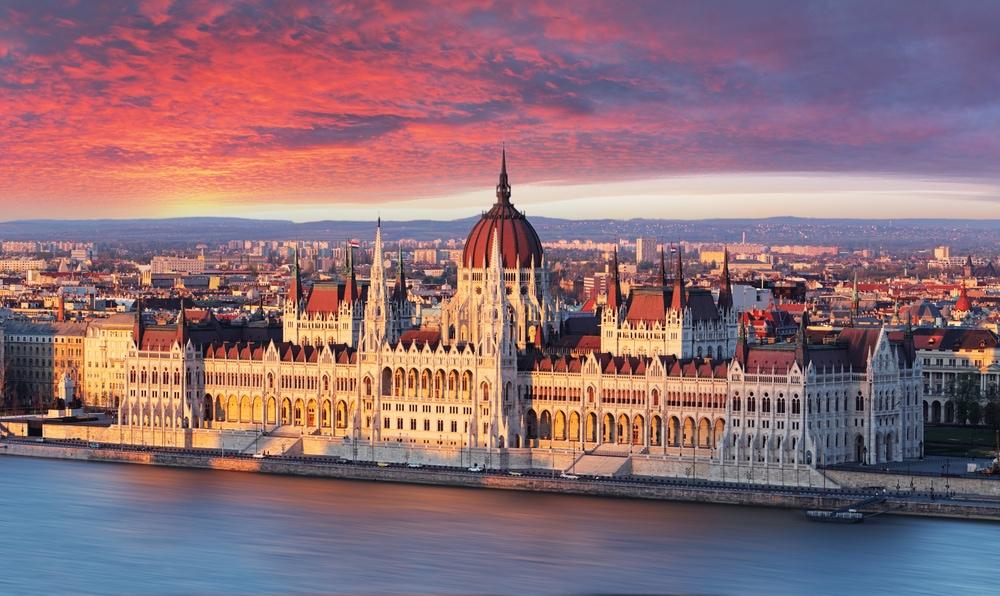 Europas populärste Wahrzeichen: Parlament in Budapest