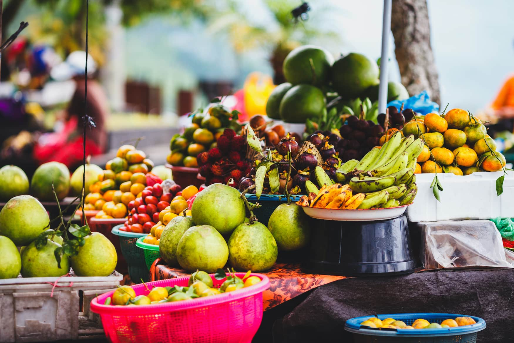 Exotische Früchte auf Straßenmarkt in Bali