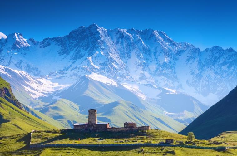 Mount Shkhara in Georgien