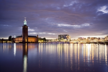 Blick auf Skyline von Stockholm in der Dämmerung